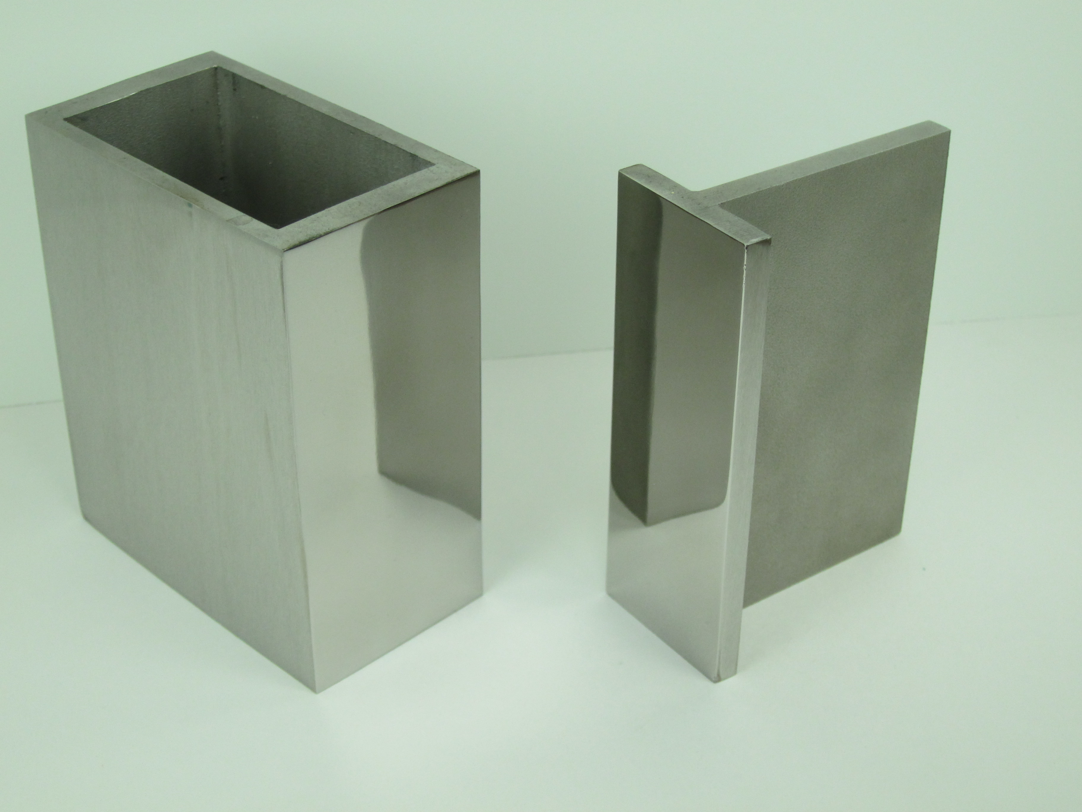 Polished Stainless Sharp Corner Structurals